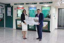 Banco Azteca entrega aporte a Fundación Azteca Guatemala para damnificados por el Volcán de Fuego