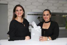 Nydia y Mónica Mendez ,Brillan con luz propia