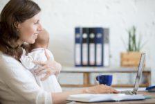 La dificultad de balancear maternidad y trabajo