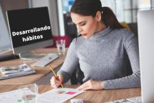 Mujer emprendedora, desarrollando hábitos.